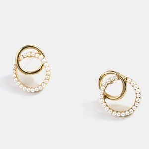 Urban Outfitters Jewelry - Double rings gold/pearl earrings S925